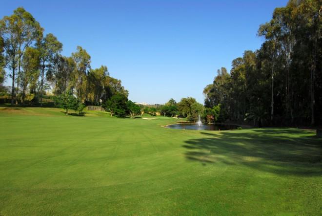 Aloha Golf Club - Málaga - España - Alquiler de palos de golf