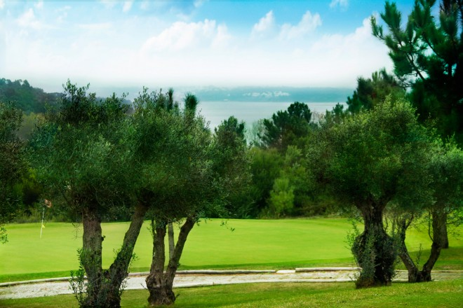 Bom Sucesso Golf Course - Lisbon - Portugal - Clubs to hire