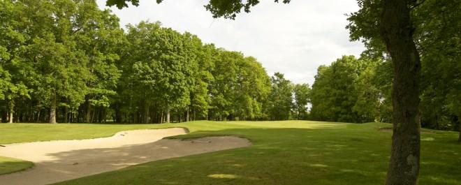 Golf Blue Green Guerville - Paris - Francia - Alquiler de palos de golf