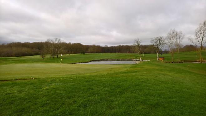 Alquiler de palos de golf - Golf de Forges-les-Bains - Paris - Francia