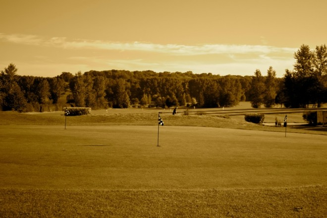 Golf de Gadancourt - Paris - France - Clubs to hire