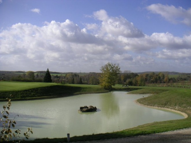 Golf de Montereau la Forteresse - Paris - France - Location de clubs de golf