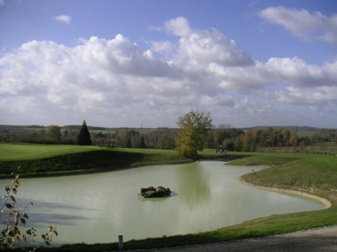 Golf de Montereau la Forteresse - Paris - France - Clubs to hire