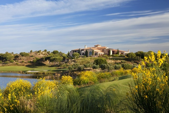 Monte Rei Golf et Country Club - Faro - Portugal - Alquiler de palos de golf