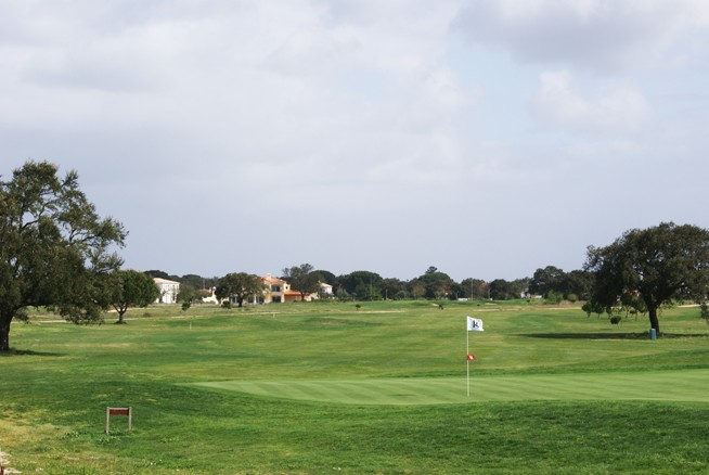 Santo Estevao Golf - Lisbon - Portugal - Clubs to hire
